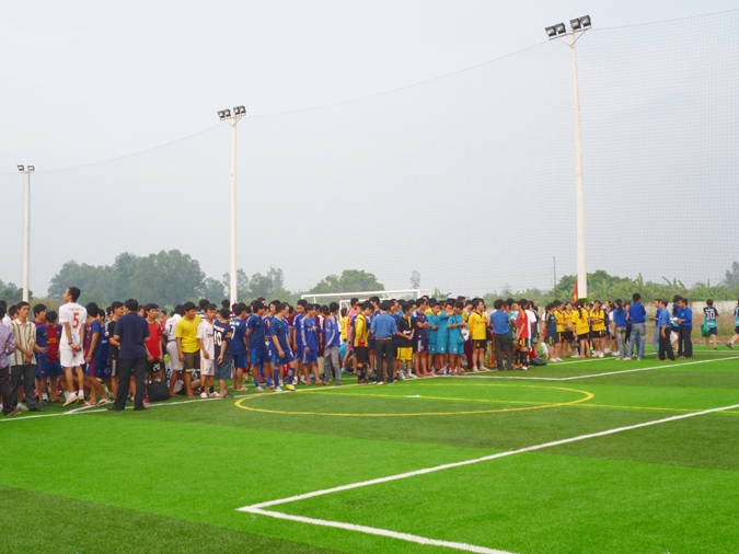 The 2013 students' football tournament opened in the entire Vo Truong Toan University